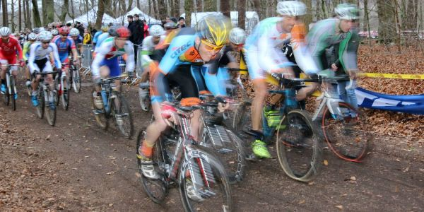 Radsport-Elite startet in Harburg